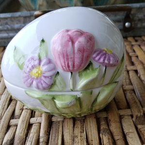 Ceramic Easter egg trinket box